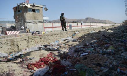 Passa de 90 o nº de mortos em atentado no aeroporto de Cabul