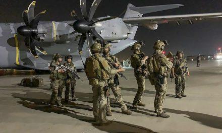Biden diz que saída do Afeganistão está no prazo