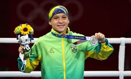 Olimpíada de Tóquio: Bia Ferreira conquista prata no boxe