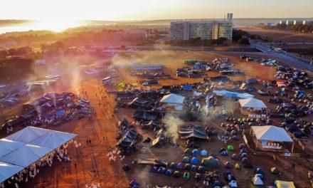 Indígenas decidem ficar acampados em Brasília até 2 de setembro