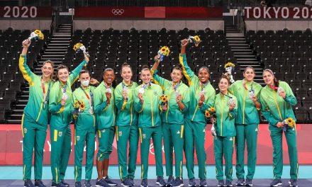 Brasil é prata no vôlei feminino após ser superado pelos EUA em Tóquio