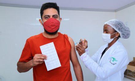 Goiânia tem 2º dia de vacinação contra Covid-19 sem agendamento