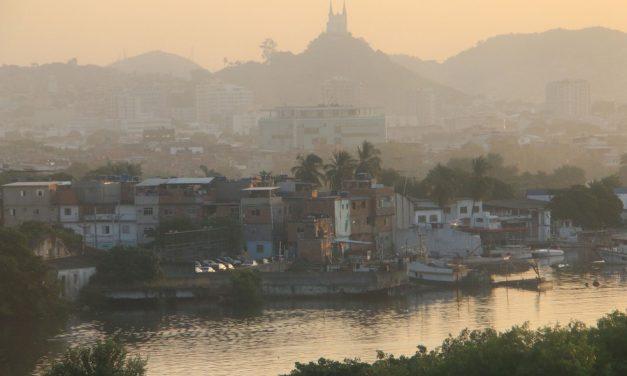 Com vacinação em massa, Maré tem uma das menores taxas de Covid do Rio